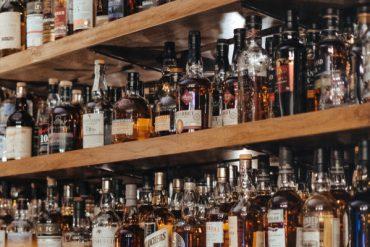 Alkohol i siedzący tryb życia napędza powstanie raka